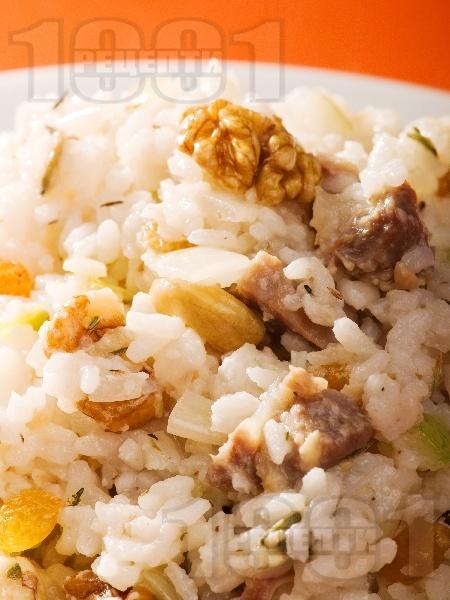 Пилешки воденички с ориз и ядки - снимка на рецептата